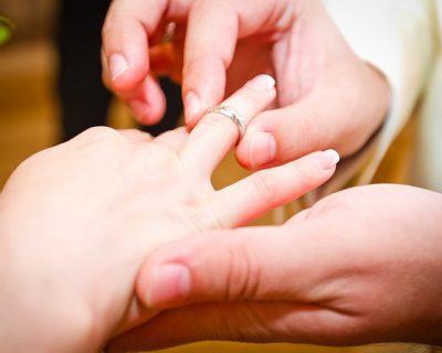 כיצד לבחור טבעת אירוסין