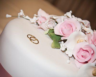 טבעת אירוסין זהב להצעת נישואין רומנטית בים