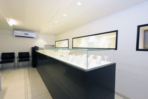 חנות תכשיטים בבורסה